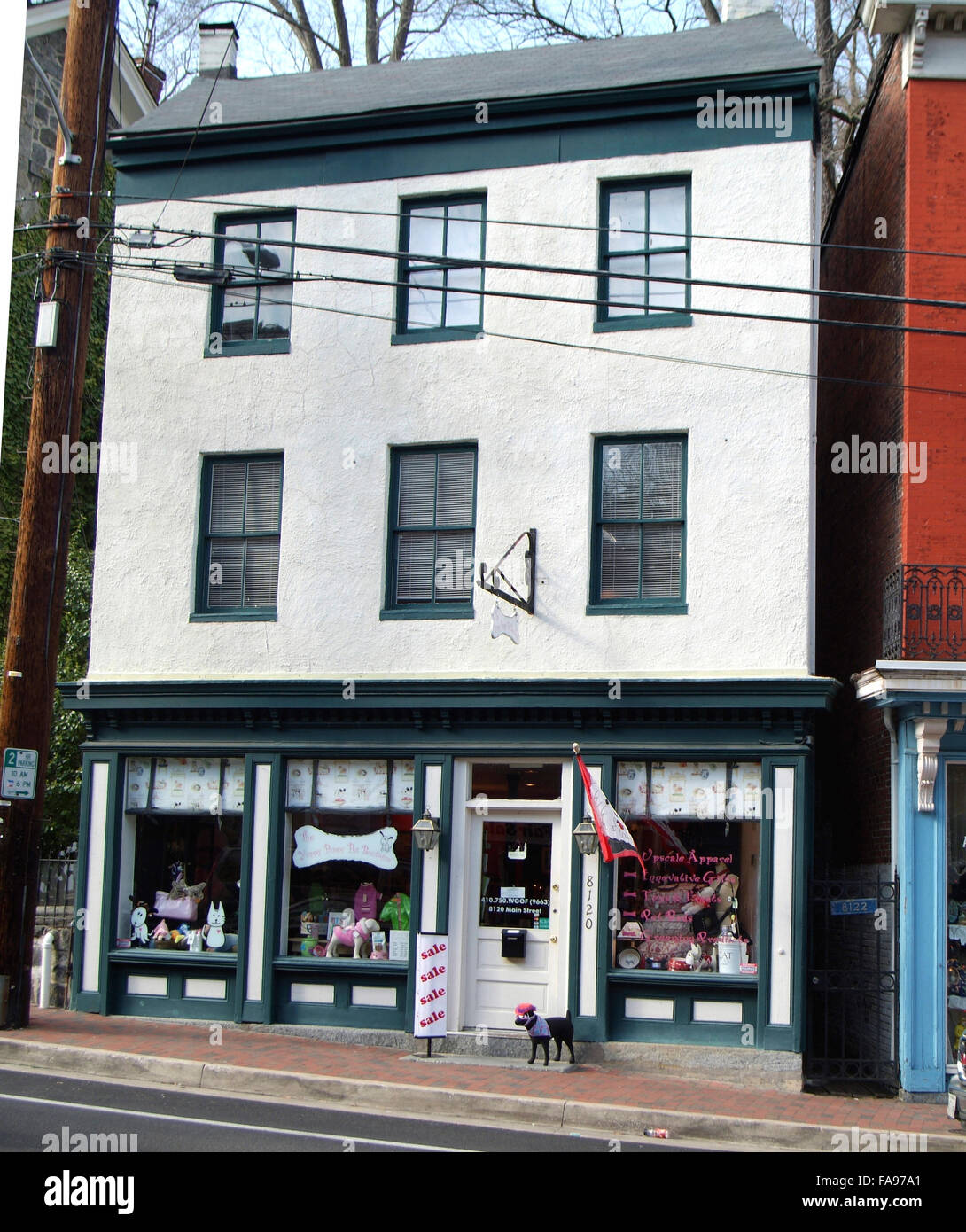 Historic Ellicott City.Md apartment building above a dog store ...