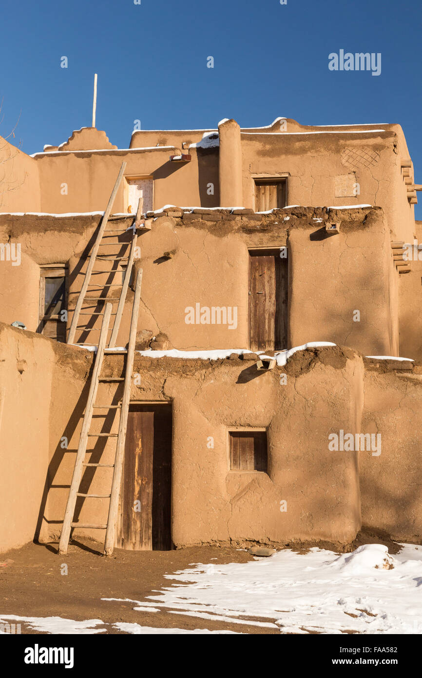 Native american pueblo houses related keywords native for Pueblo home builders