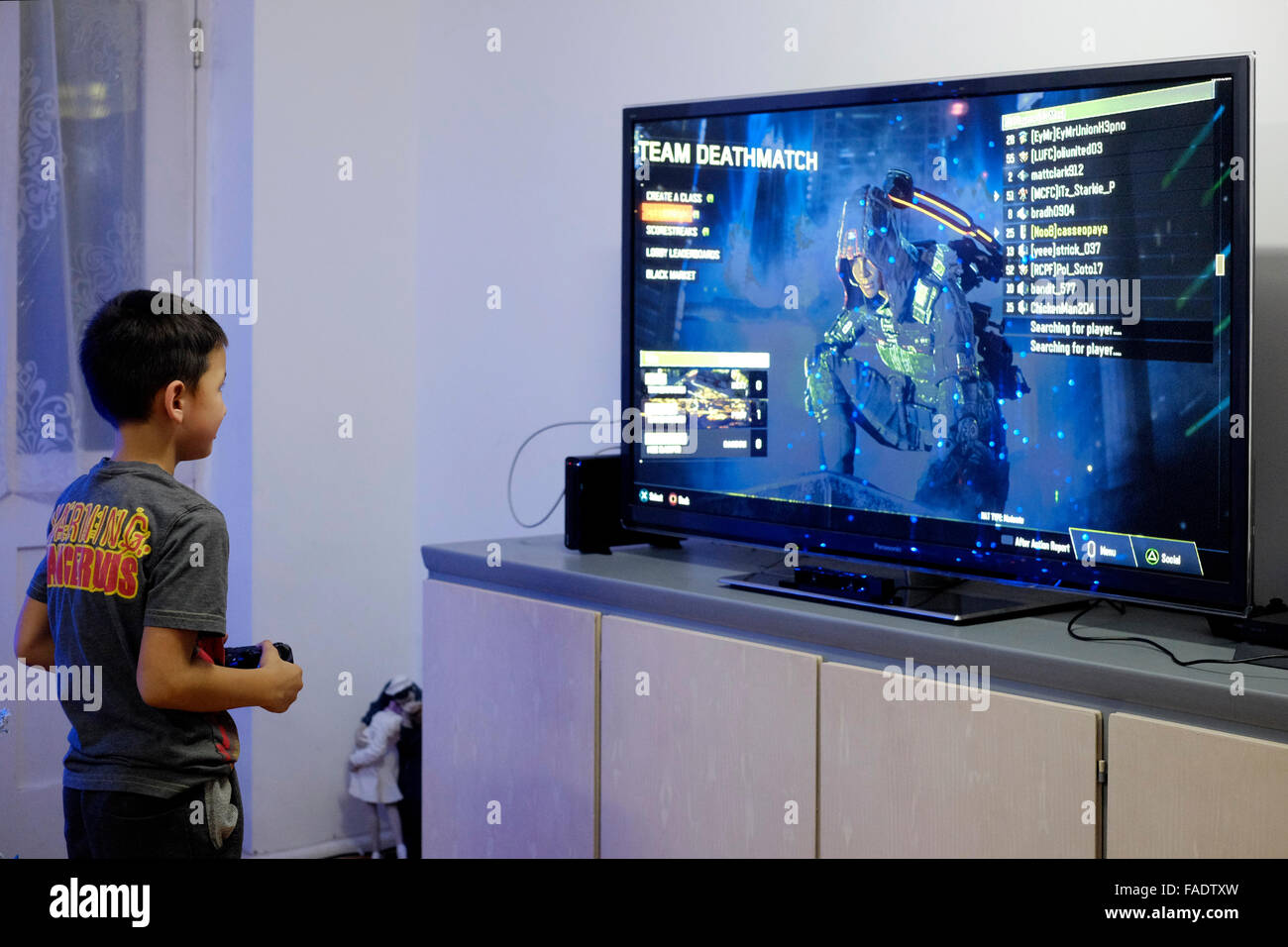 how to play video games on tv screen