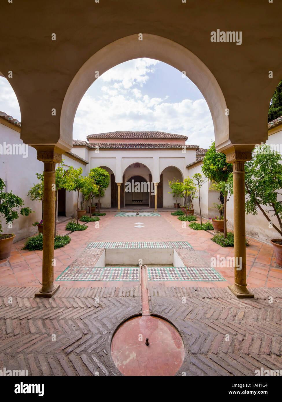 Patio de la alberca alcazaba malaga andaluc a spain for Albercas de patio
