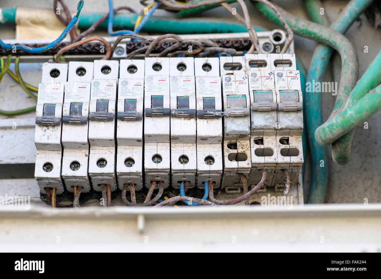 Ac Fuse Box Melted : Fuse box melted electrical fire panel