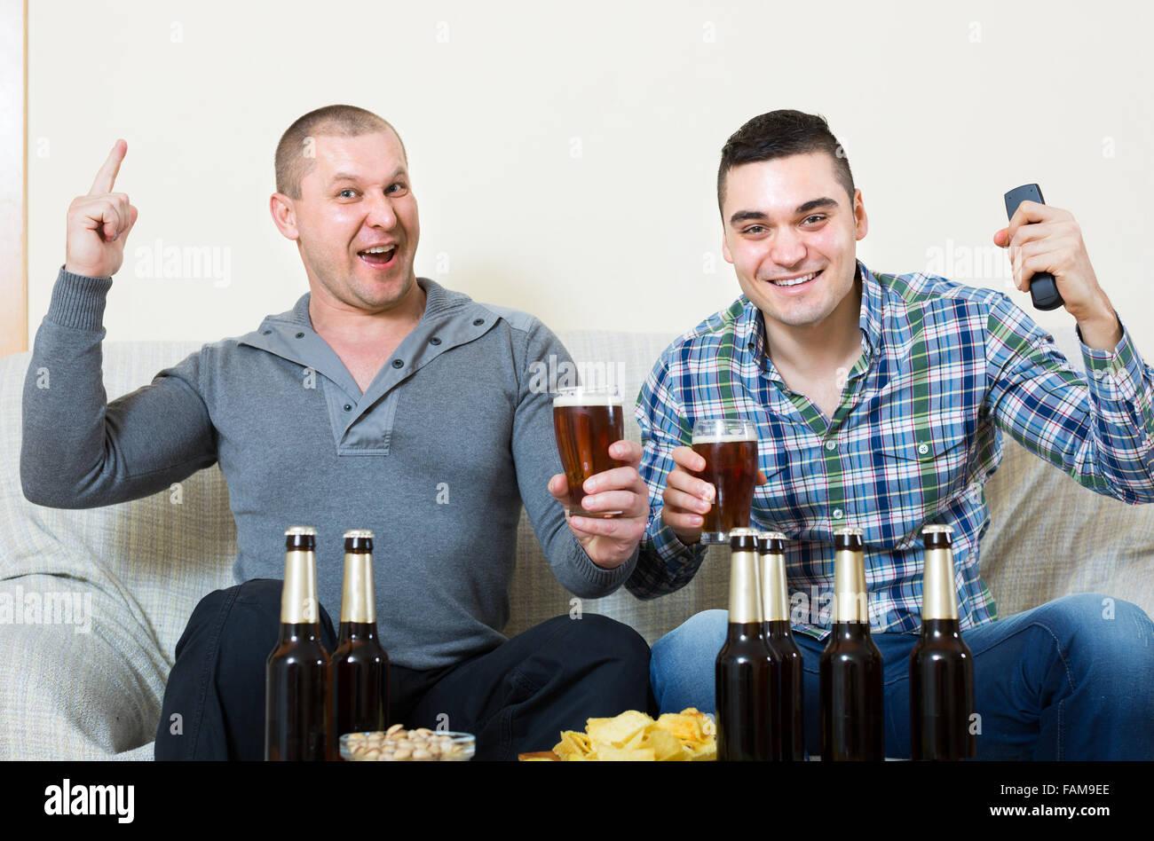 Фотографии двух взрослых мужчин фото 282-958