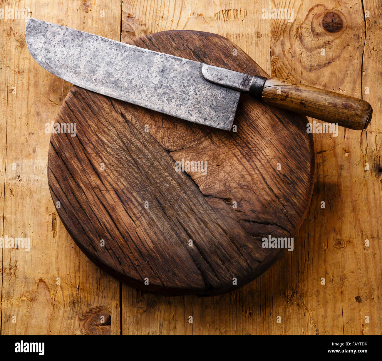 chopping board block and meat cleaver large chef 39 s knife on wooden stock photo royalty free. Black Bedroom Furniture Sets. Home Design Ideas