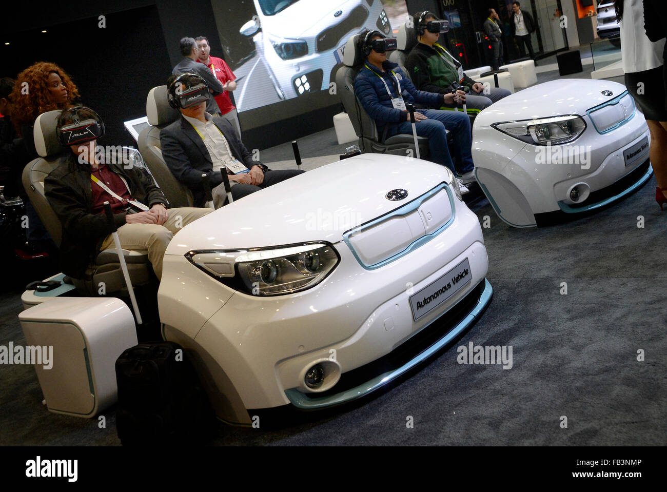 las vegas nv usa 8th jan ces attendees try out the kia vr display during the ces show fridayphoto by gene blevinsla daily