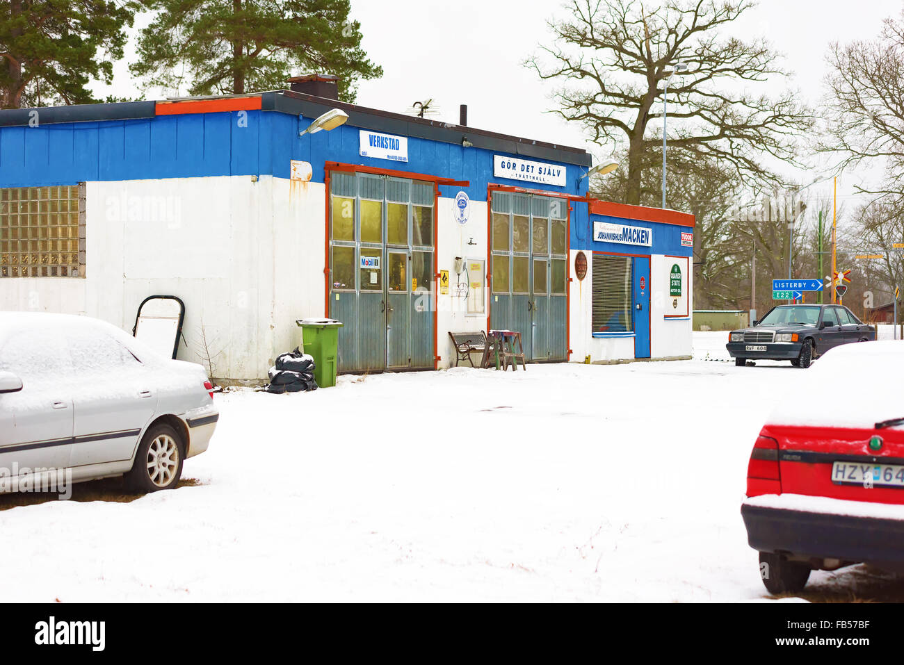 Johannishus sweden january 8 2016 the auto repair shop houses johannishus sweden january 8 2016 the auto repair shop houses a garage and a do it yourself car wash snow outside and clos solutioingenieria Choice Image