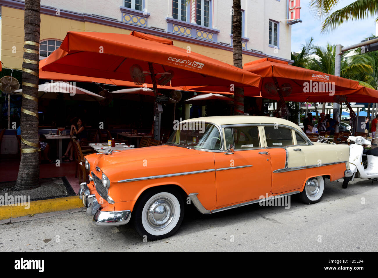 classic american vintage cars ocean drive miami beach stock photo 92934048 alamy. Black Bedroom Furniture Sets. Home Design Ideas
