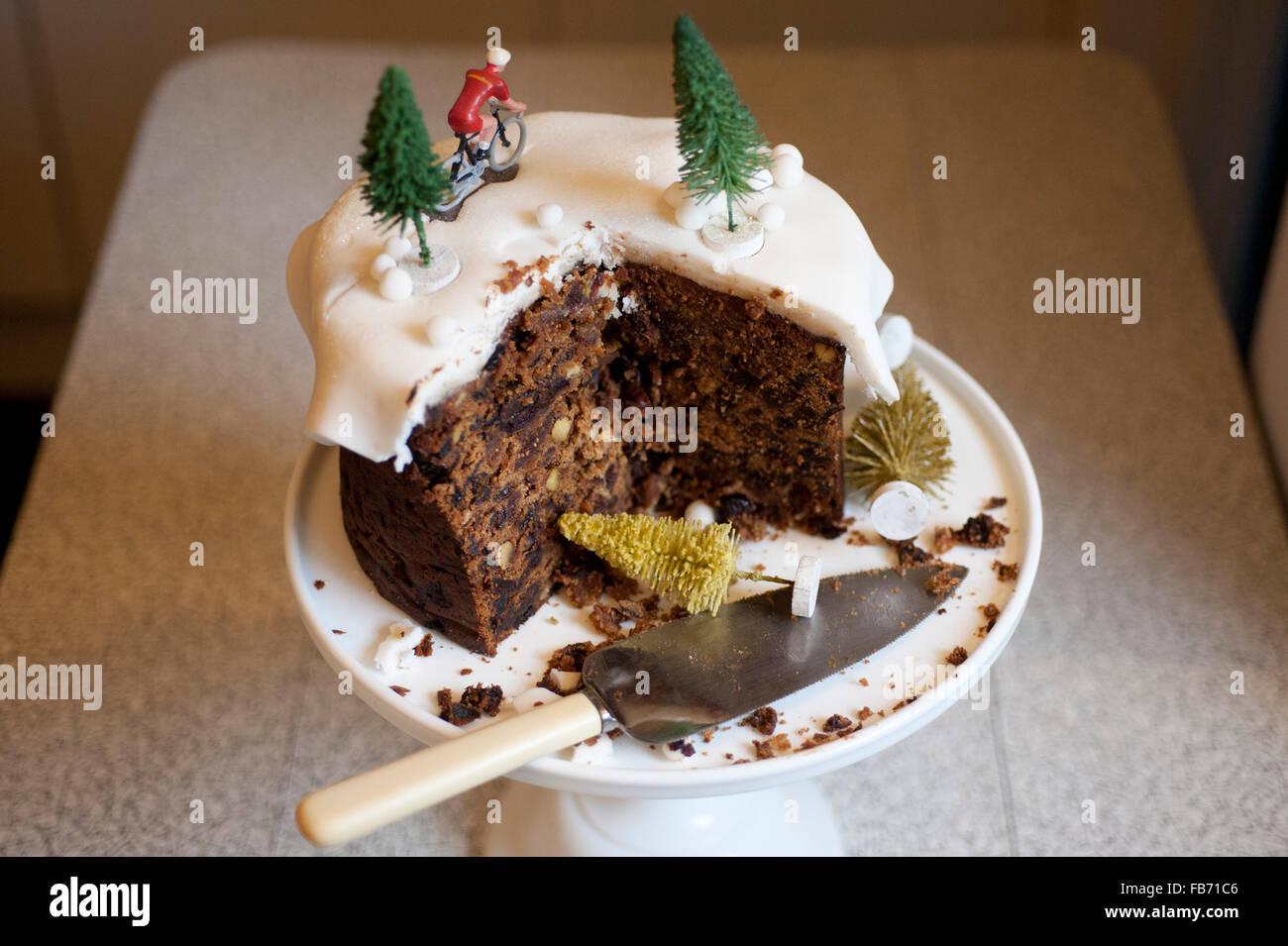 Keeping Christmas Cake Fresh