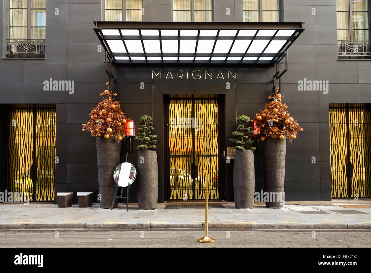 Entrance of hotel marignan rue de marignan paris a 5 for Hotel design paris 5