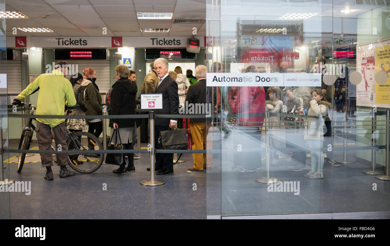 Desde stansted airport foro de londres en tripadvisor - Stansted express ticket office liverpool street ...