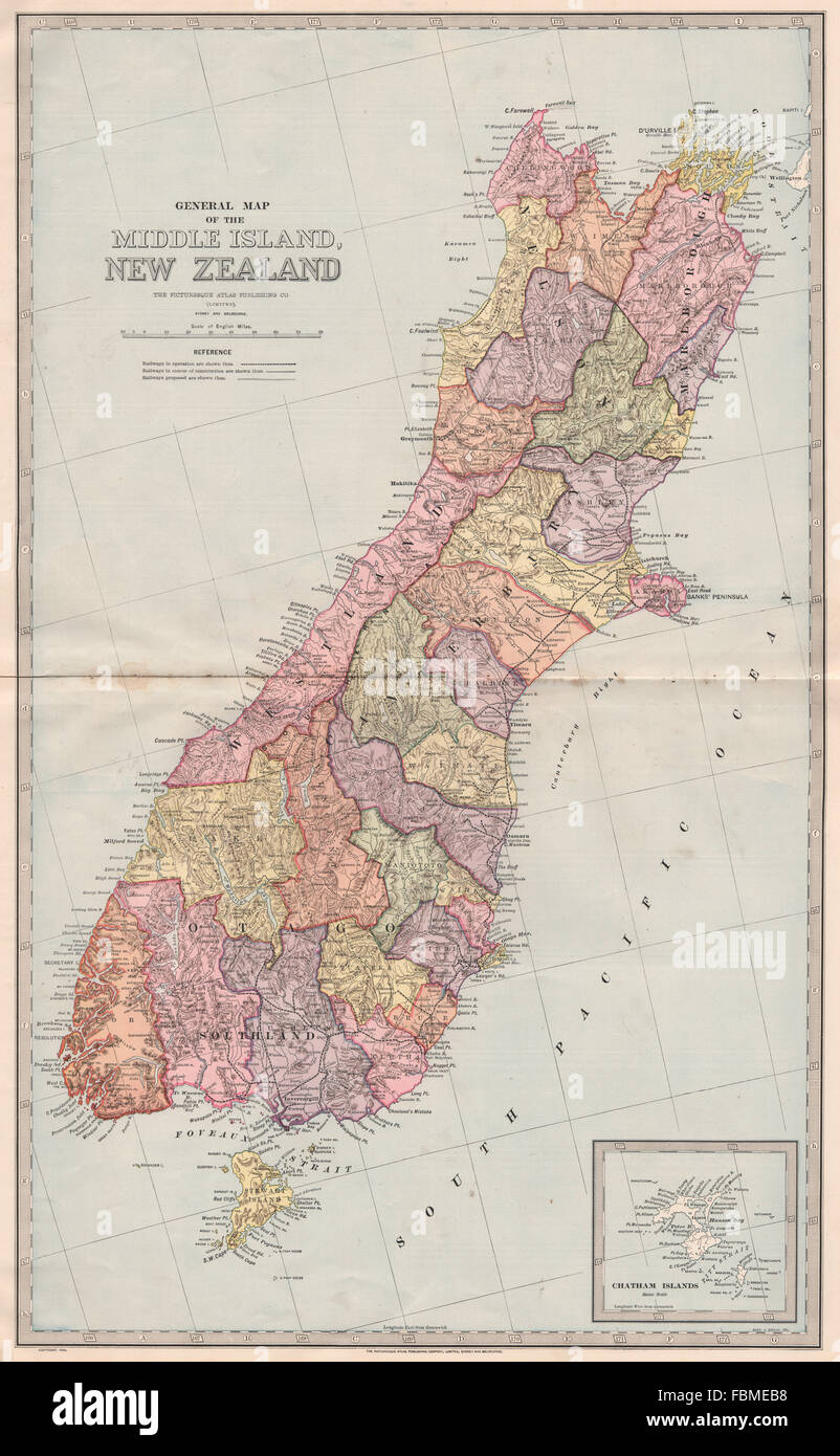 Large map of Middle Island New Zealand ChathamSOUTH ISLAND