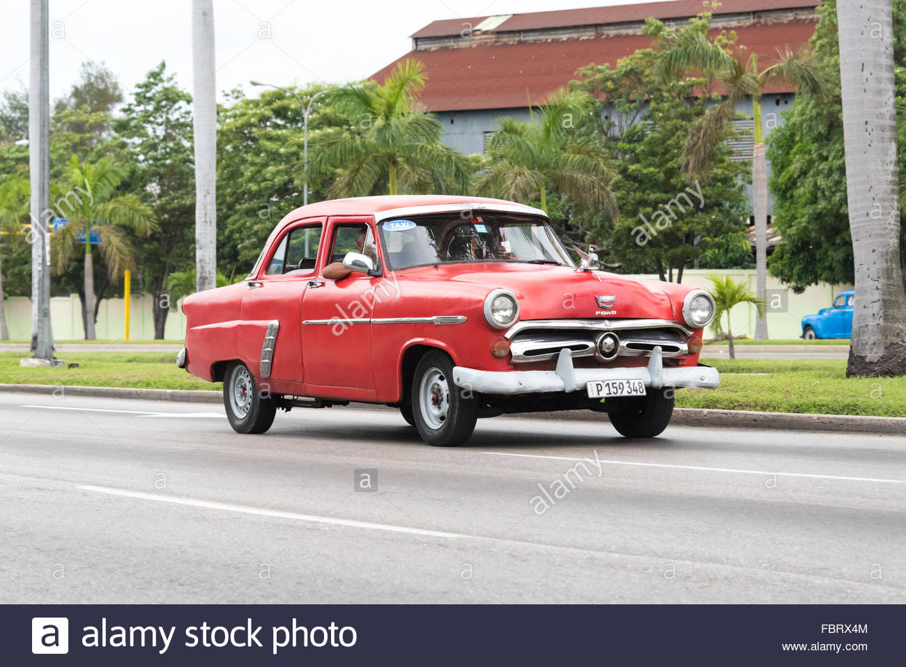 Cuban vintage classic cars in their daily action: the vintage ...
