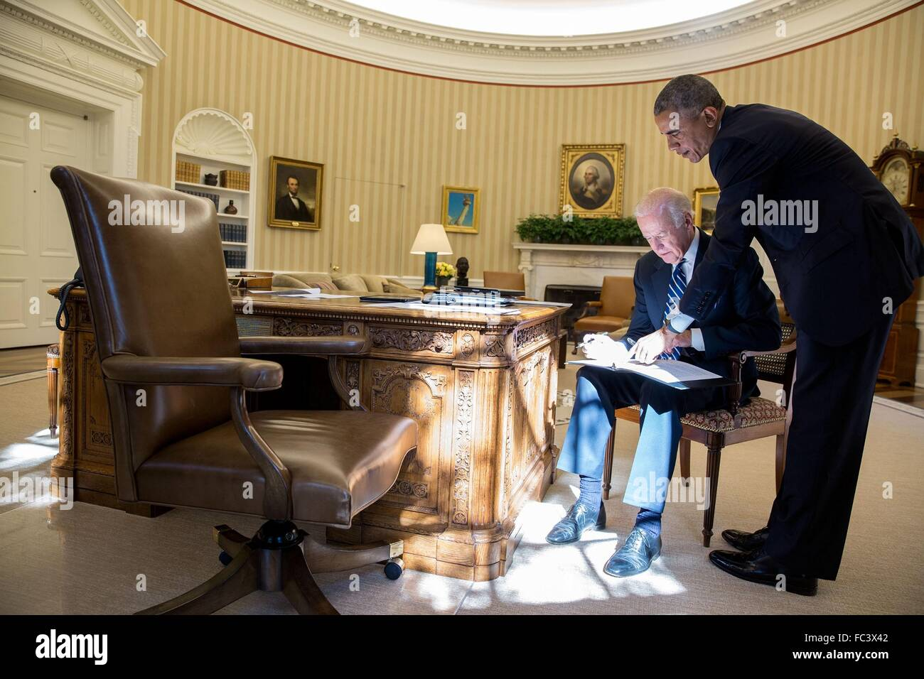 oval office chair. U.S President Barack Obama Reviews A Statement With Vice Joe Biden In The Oval Office Of White House October 21, 2015 Washington, DC. Chair E