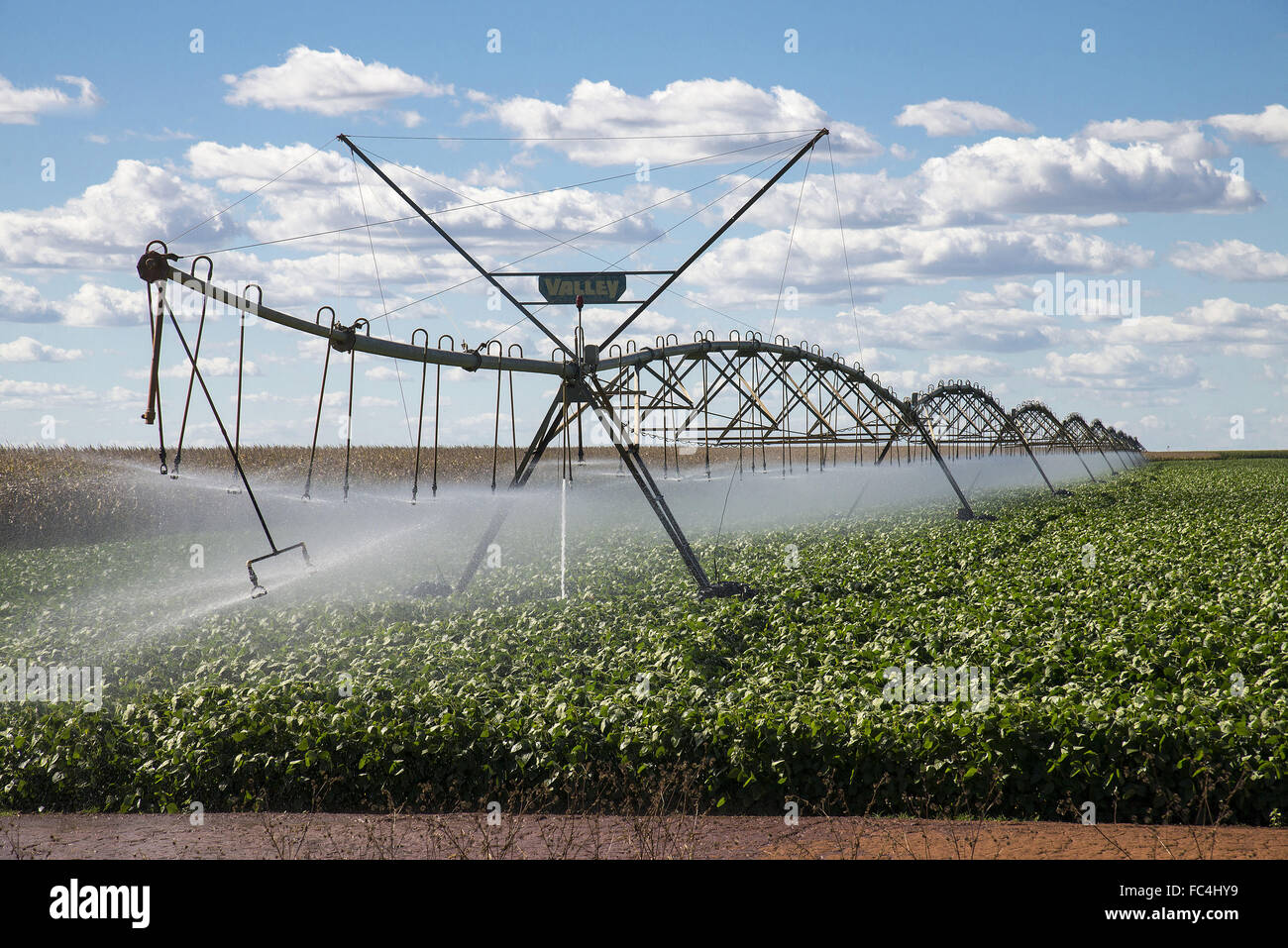 of irrigation with center pivot system for soybean plantation in rural FC4HY9 center pivot irrigation wiring diagrams center pivot valmont Black and White Irrigation Pivot at reclaimingppi.co