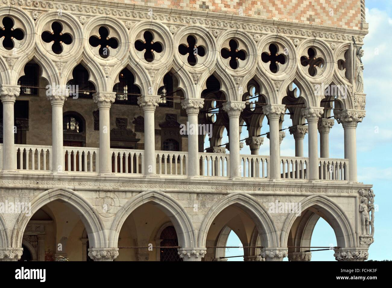 Venice italy architectural detail of the facade of the for Architecture venise