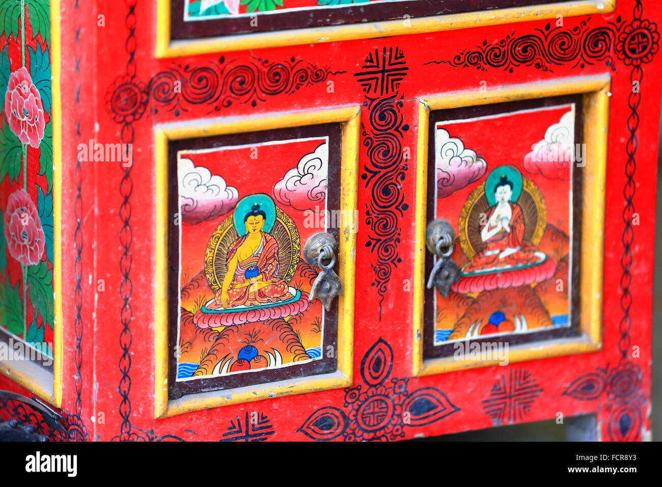 Lovely Nepalese Tibetan Buddhist Style Furniture: Red Lacquered Wooden Ark Showing  Images Of The Buddha