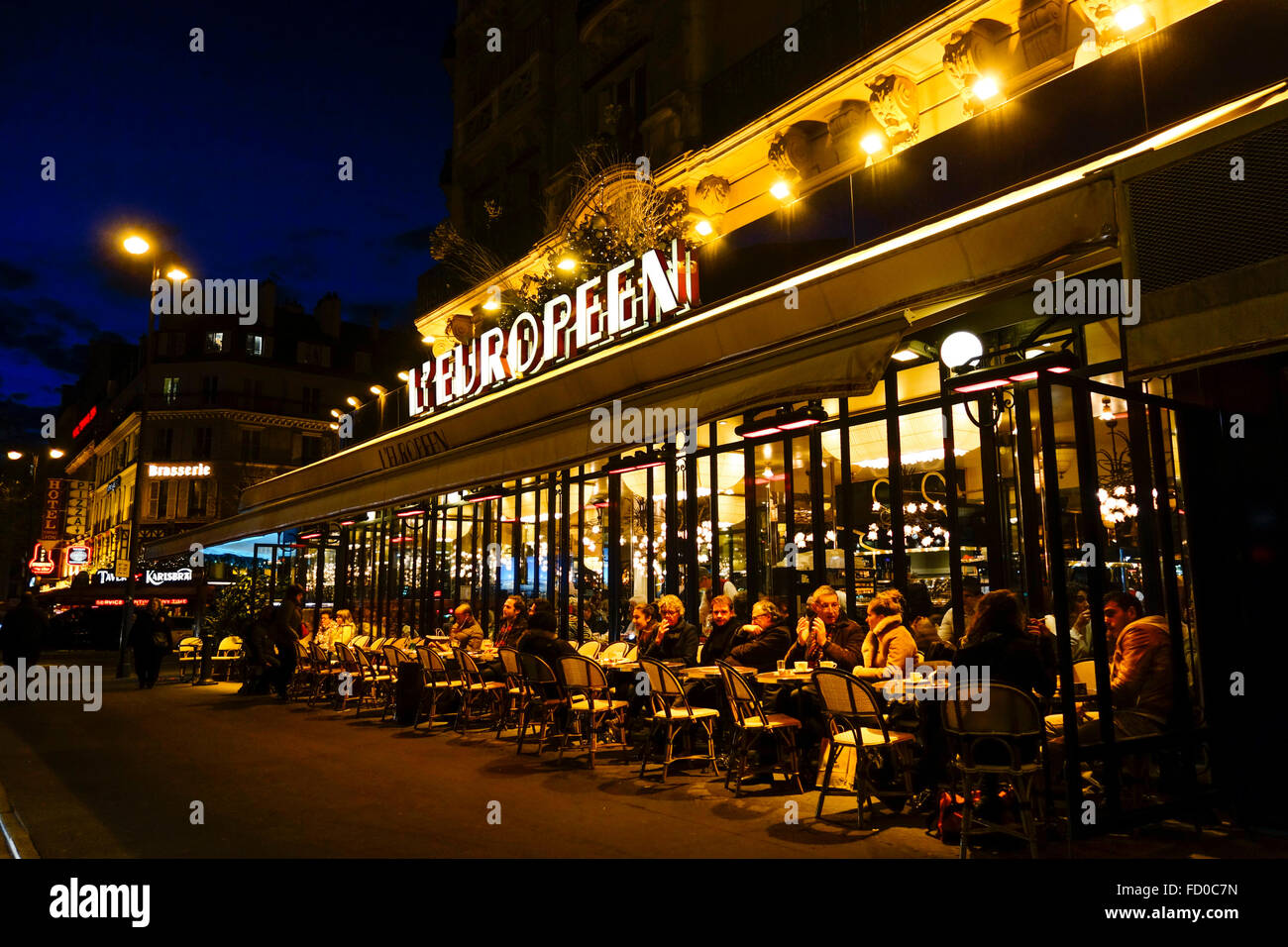 Brasserie l 39 europeen restaurant at night with outside for Restaurant with terrace
