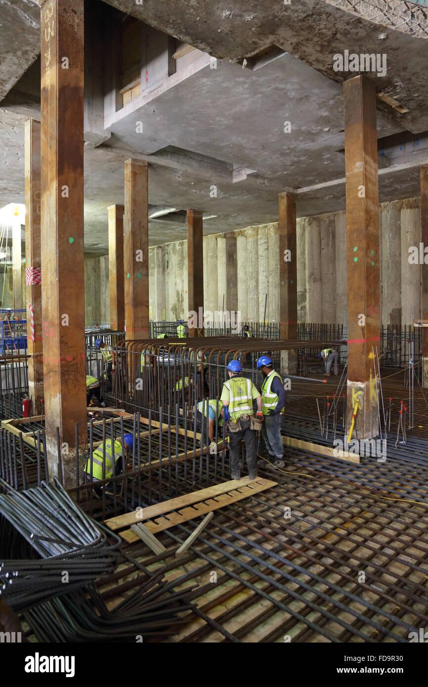 Construction of a reinforced concrete basement floor slab for Build best construction