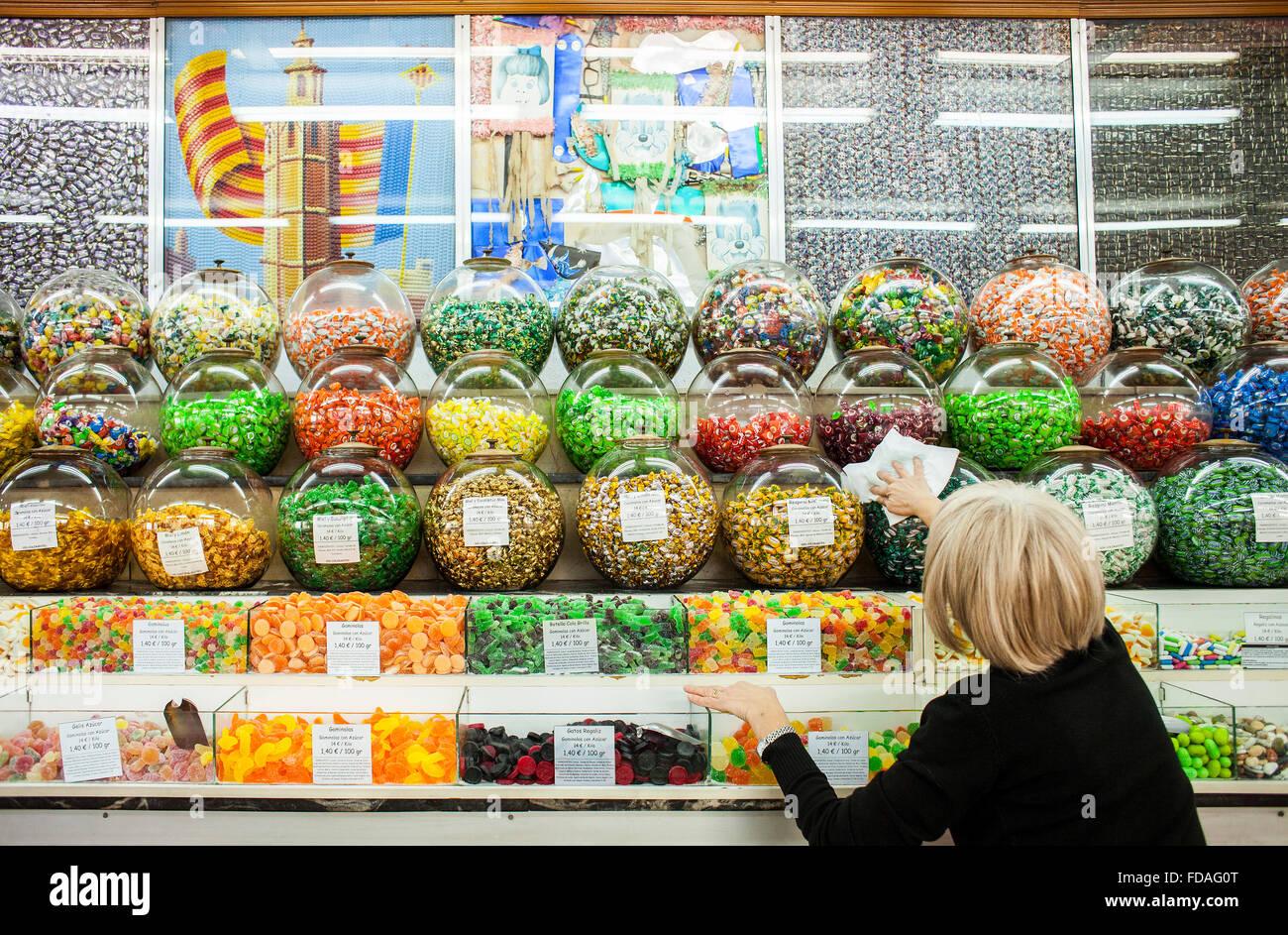 La casa de los dulces candy shop 4 muro de santa ana stock photo 94274456 alamy - Casa de los caramelos valencia ...