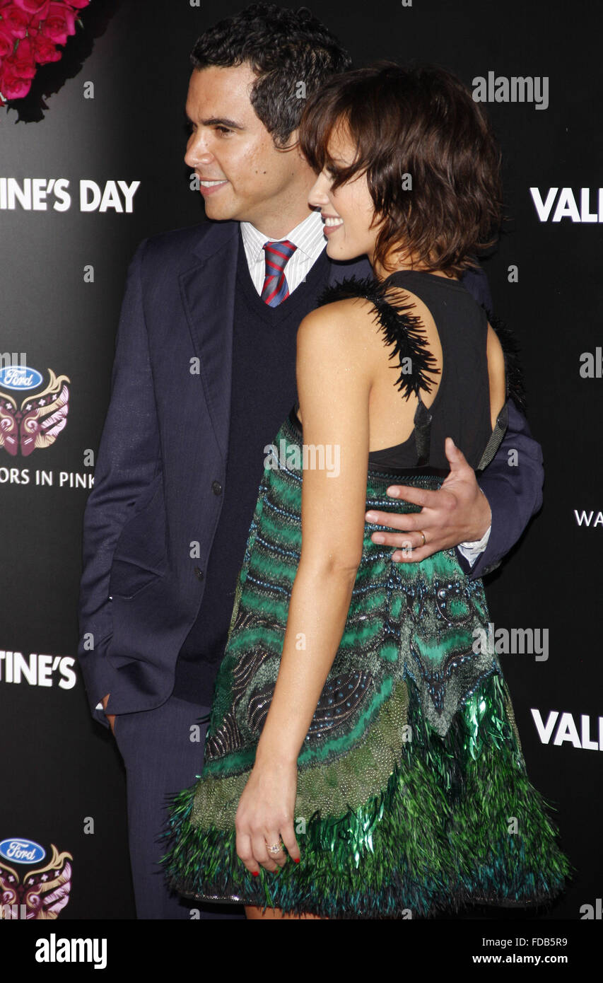 com jessica alba at the los angeles premiere of valentines day held at the graumans chinese theate in hollywood credit hyperstaralamy