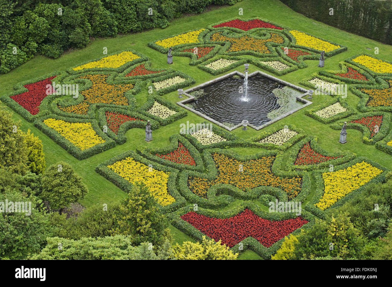Awesome Summer Bedding In The Sunken Dutch Garden At Lyme Park, Cheshire. The Garden  Was Created In The Early Eighteenth Century But Underwent Extensive  Restoration ...