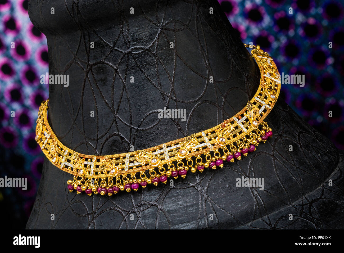 gold jewelry, gold necklace, Indian jewelry design, Indian Stock ...