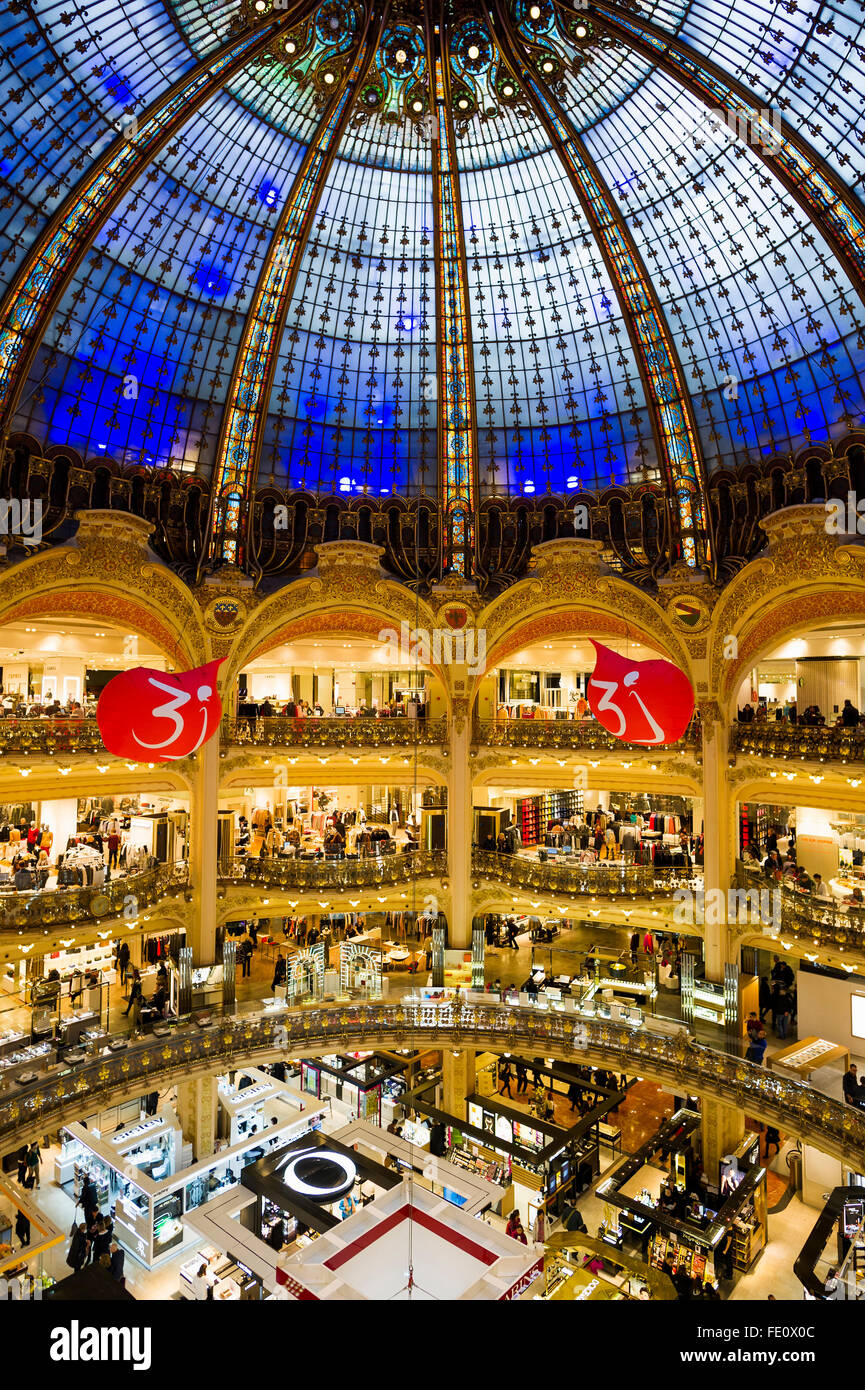 Bien connu Shopping Mall Paris Stock Photos & Shopping Mall Paris Stock  KO62