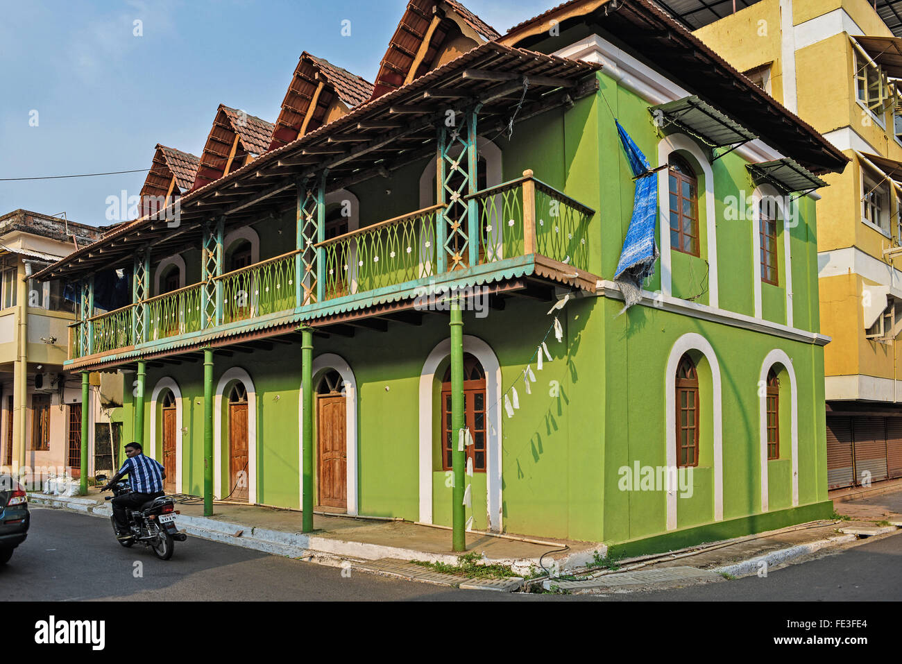 India goa portuguese houses in fontainhas district in for Architecture design for home in goa