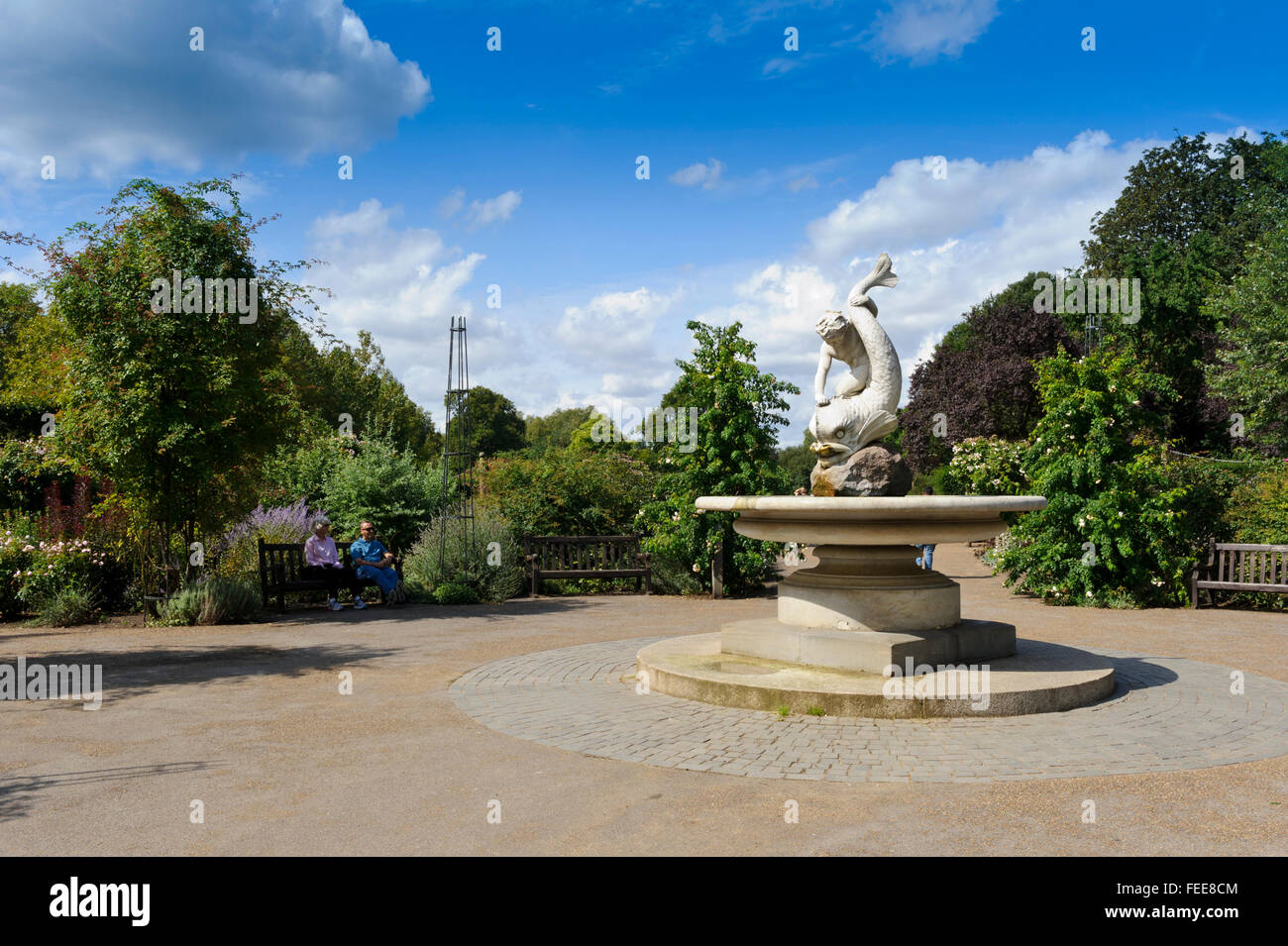 Water fountains hyde park - A Water Fountain With Fish Design In The Garden Within Hyde Park In London United Kingdom
