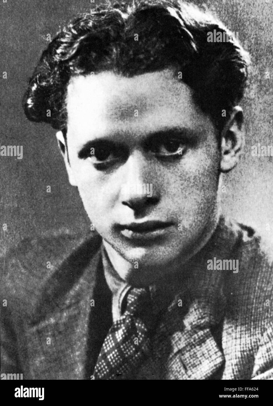 dylan thomas poems of 1933 essay