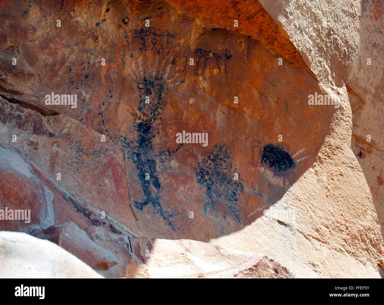 native american indian pictographs and petroglyphs rock face art