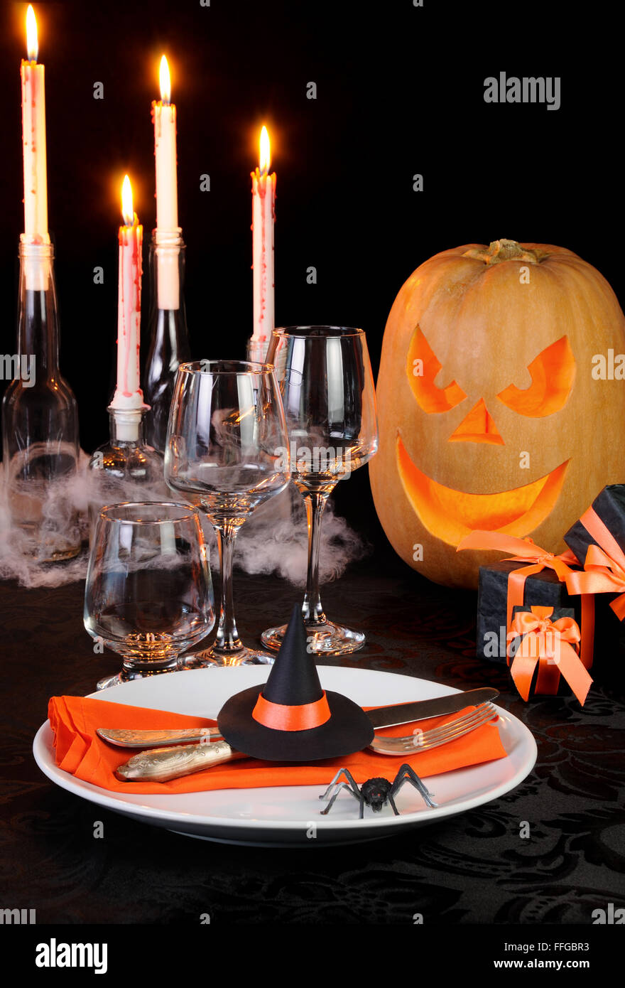 Witchu0027s Hat As A Decor Element Halloween Table Setting