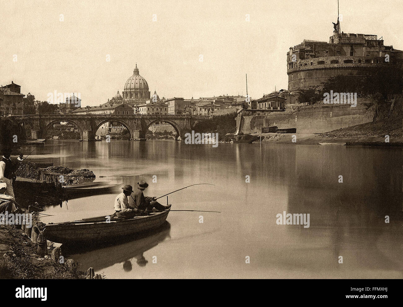 Veduta del Fiume - Roma - Vintage postcard - 1900 Stock Photo, Royalty Free I...