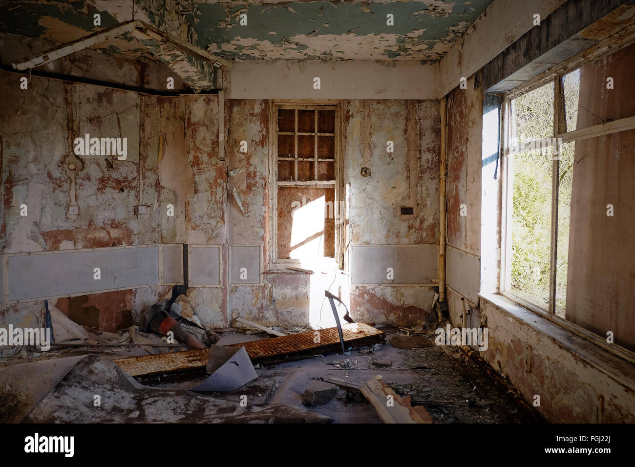 An Abandoned Room In Harperbury Hospital Harper Lane