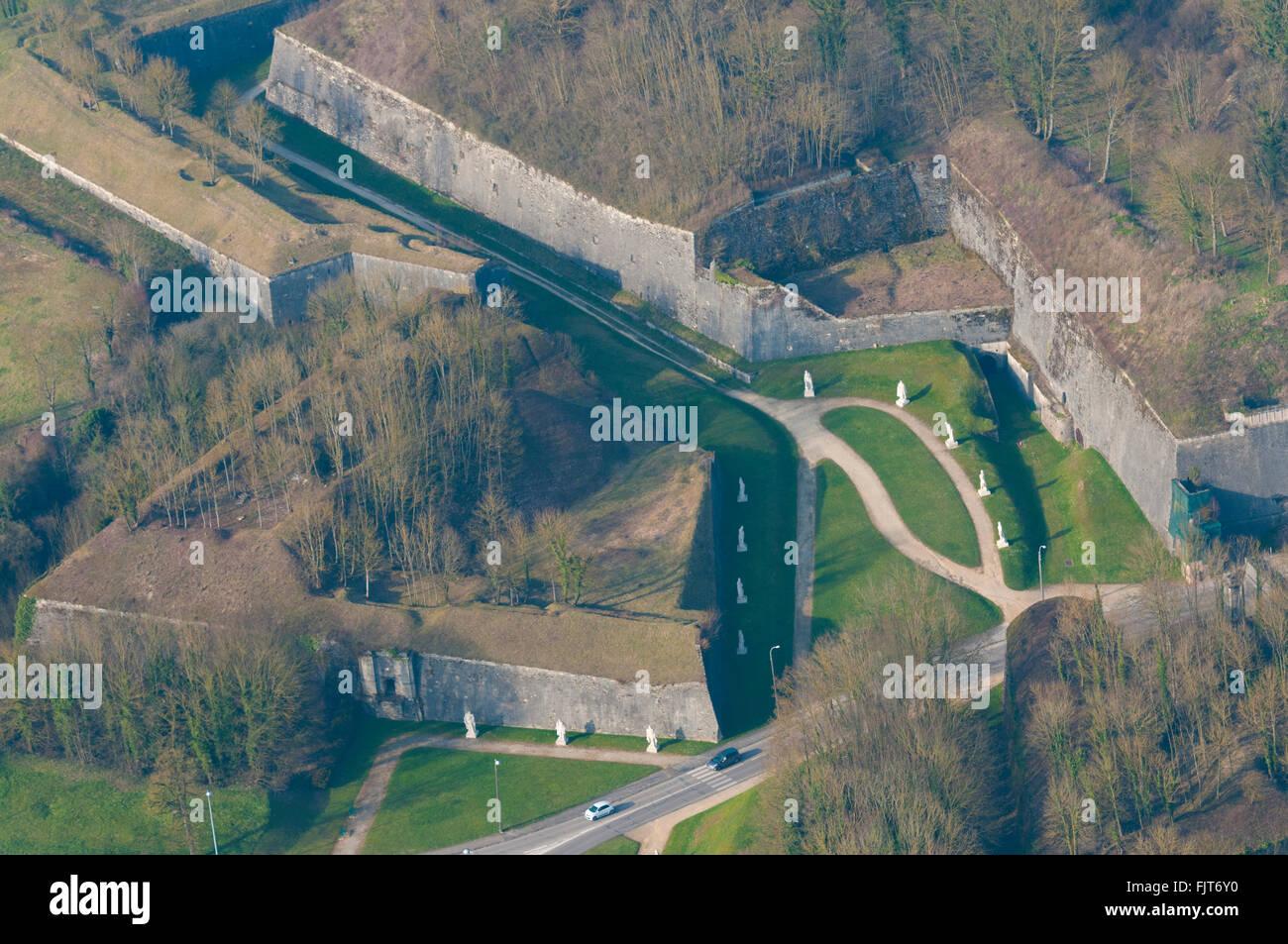 Meuse 55 ville de verdun citadelle remparts vue for Piscine de verdun