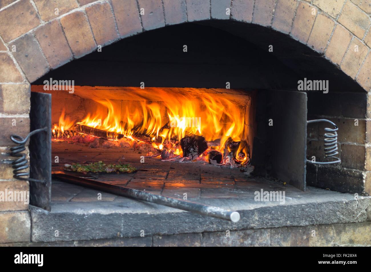 Panchgani photos around panchgani images panchgani temple photos - Close Up Of The Firewood Oven Used To Bake Pizza At Mapro Garden Panchgani