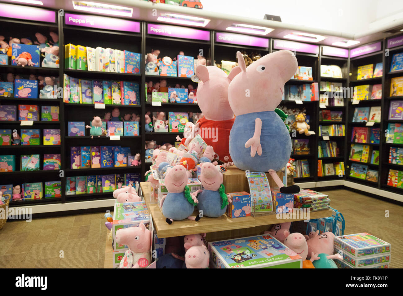 peppa pig books display waterstones bookstore piccadilly. Black Bedroom Furniture Sets. Home Design Ideas