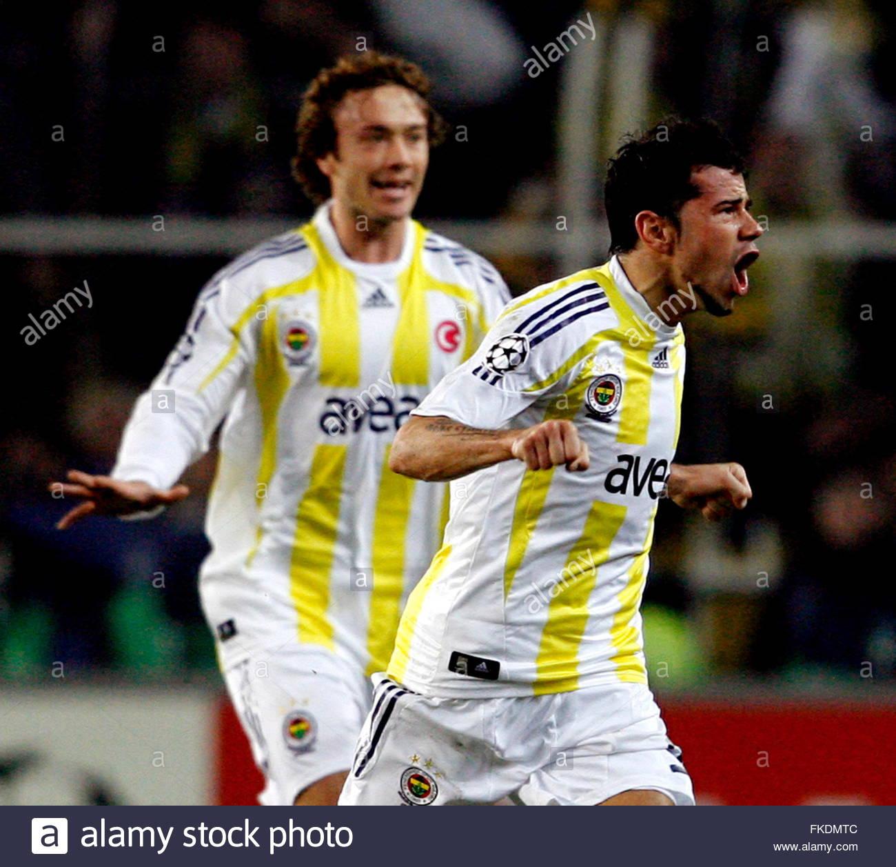 http://c8.alamy.com/comp/FKDMTC/fenerbahces-mateja-kezman-r-celebrates-his-goal-during-the-uefa-champions-FKDMTC.jpg
