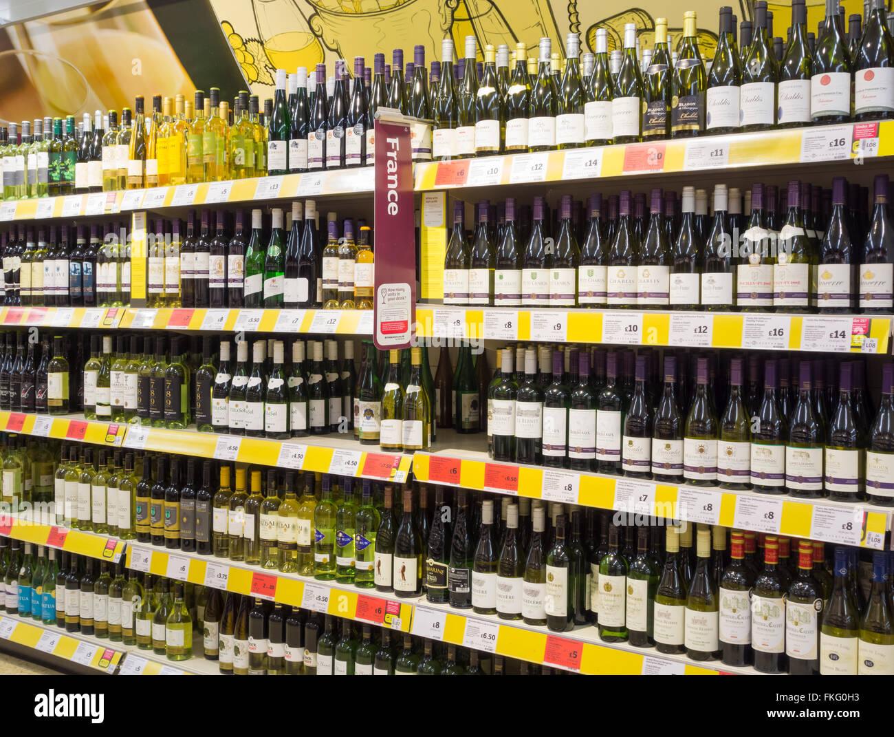 White apron sainsburys - White Wine Display In Sainsburys Supermarket Uk Stock Image