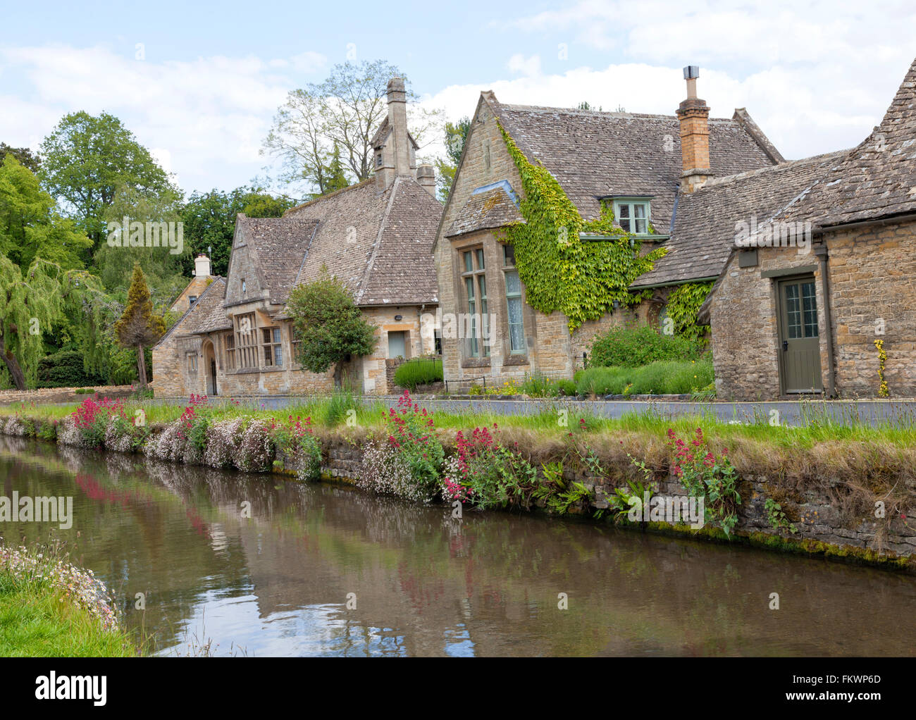 English Stone Cottage english stone cottages in the traditional cotswold style along