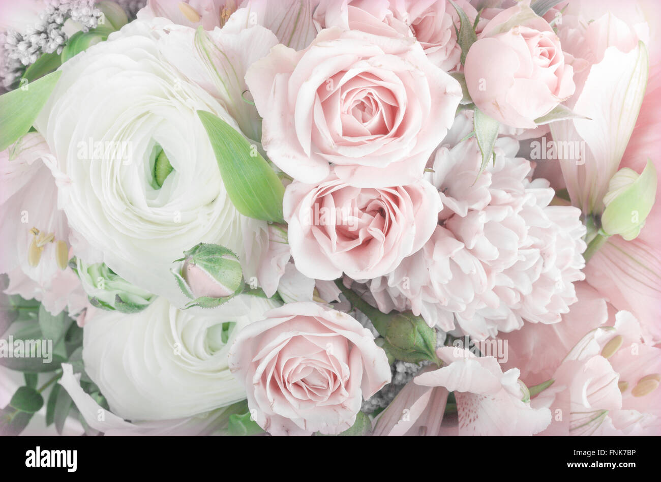 Amazing flower bouquet arrangement close up in pastel for Pastel colored flower arrangements