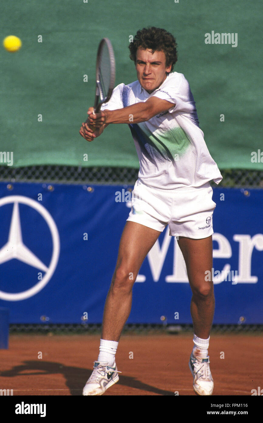 Stuttgart Germany 22nd Jan 2007 1990 Mats Wilander returns a