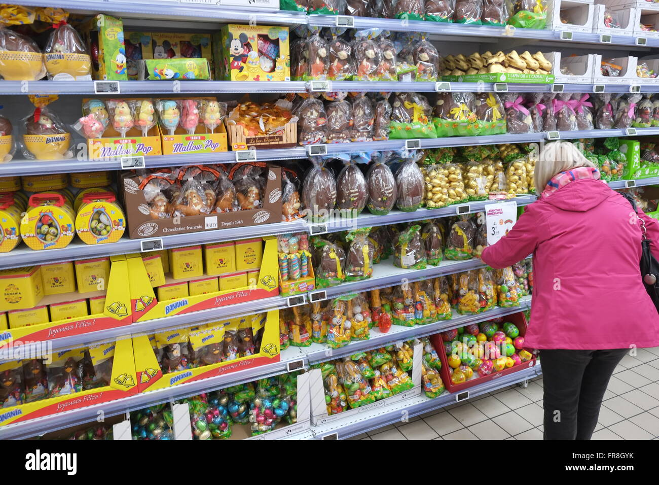 Lindt chocolate bunnies,rabbits an Easter promotion at E.Leclerc ...