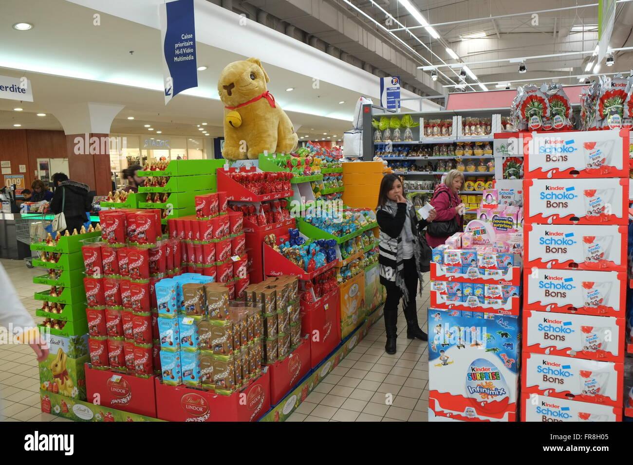 Lindt Chocolate Bunnies Stock Photos & Lindt Chocolate Bunnies ...