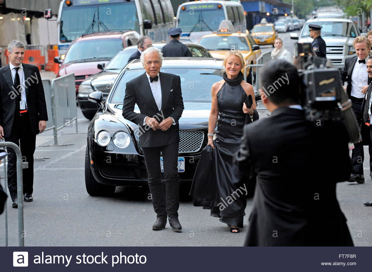 Stock Photo - US Fashion Designer Ralph Lauren (C) and his wife Ricky (R) arrive for \u0026#39;An Evening with Ralph Lauren\u0026#39; at Lincoln Center in New York, USA, ...