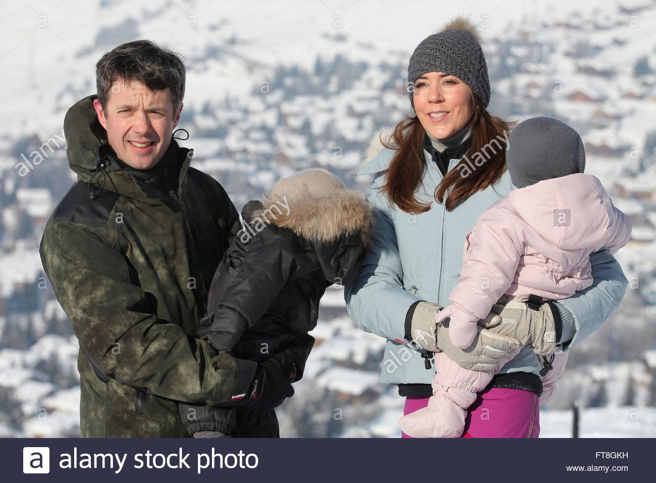 danish-crown-prince-frederik-l-his-wife-crown-princess-mary-r-and-FT8GKH.jpg