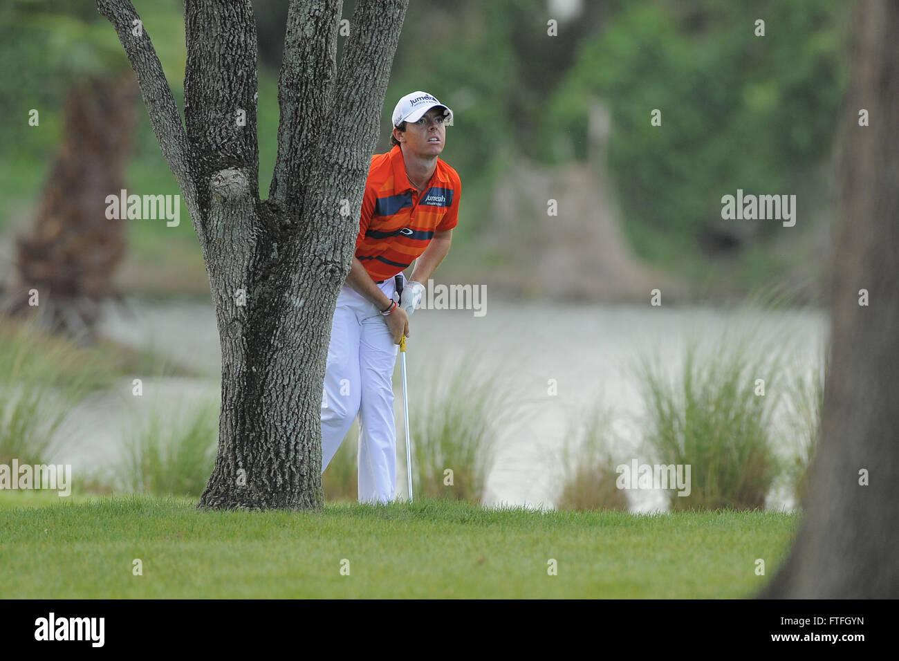 March 3, 2012 - Palm Beach Gardens, Fla, USA - Rory McIlroy hits ...