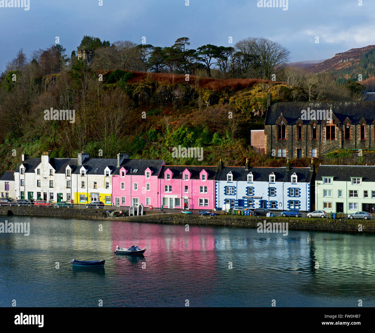 pastel coloured house surrounding the harbour of portree isle of stock photo 101431883 alamy. Black Bedroom Furniture Sets. Home Design Ideas