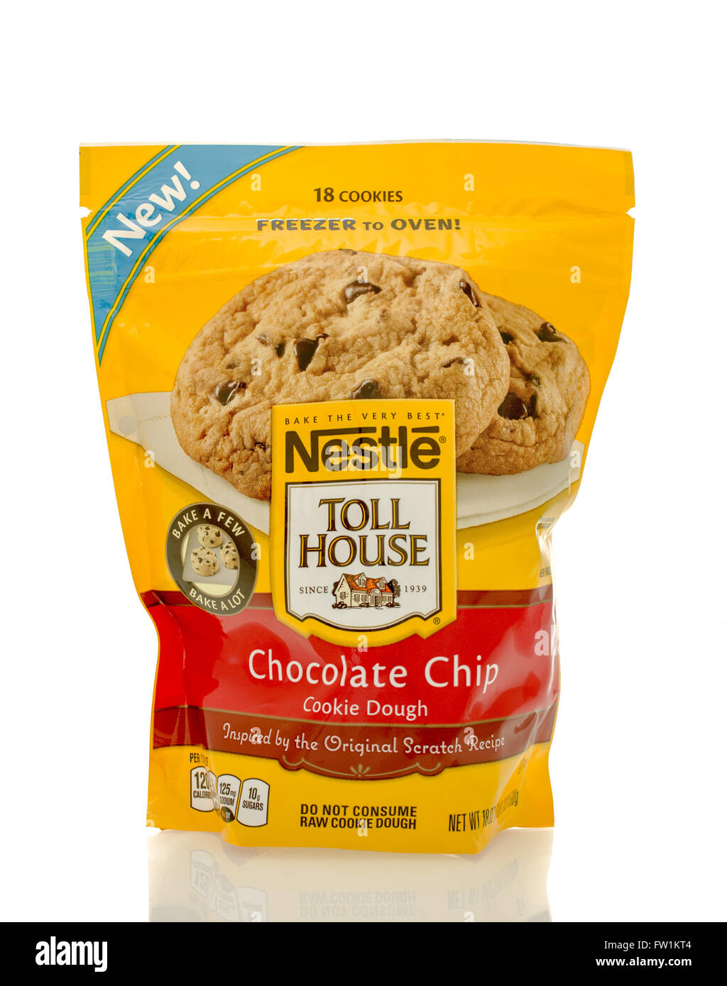 Winneconne, WI - 30 March 2016: Bag of Nestle Toll House chocolate ...