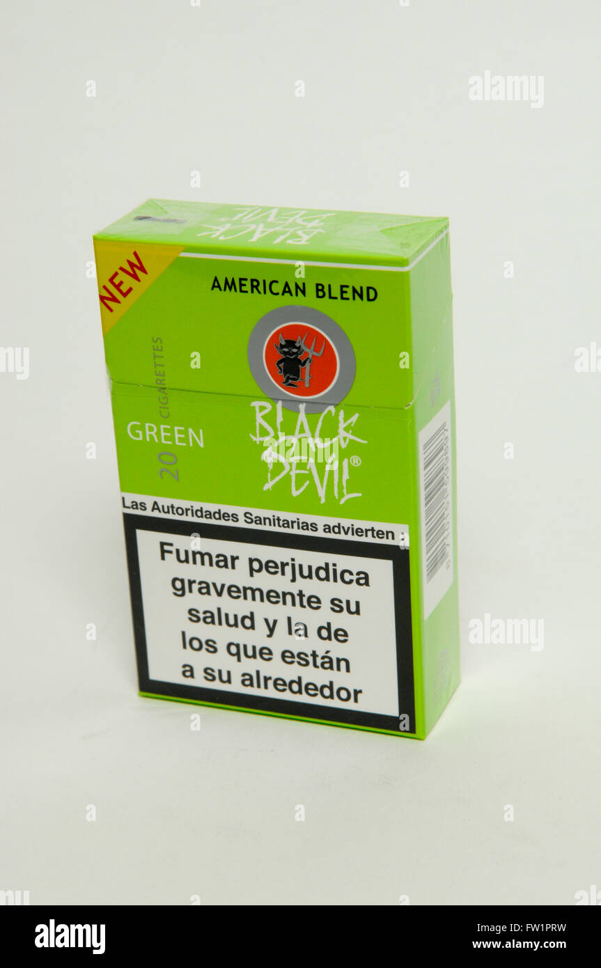 Très Black Devil Green American Blend Cigarettes Tobacco Packet Stock  VX54