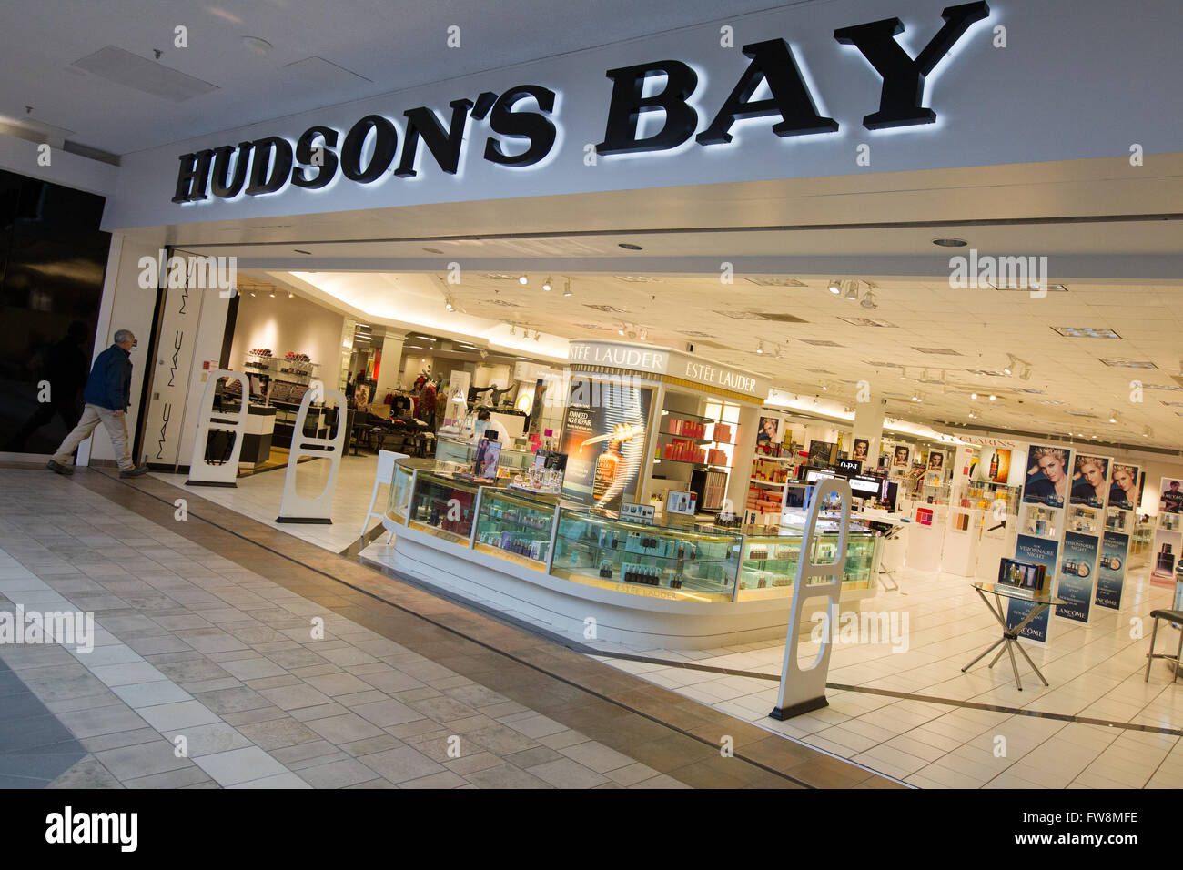 the hudsons bay department store at the cataraqui town